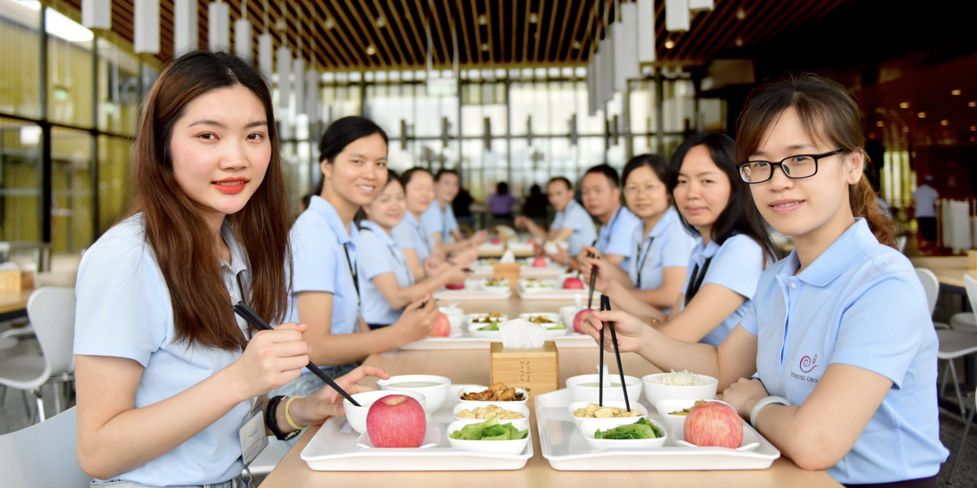 Dining service at Esquel Integral